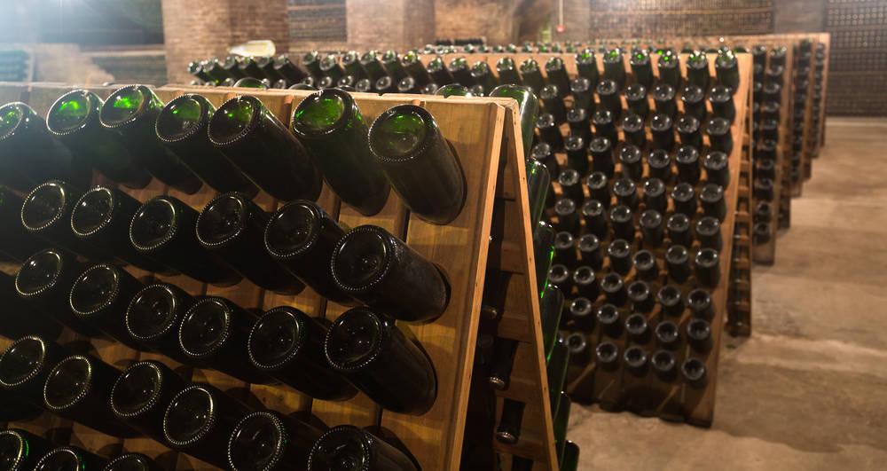 Una empresa al servicio del vino y el cava