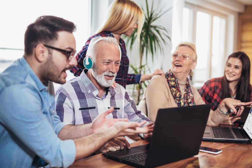 Internet, la herramienta preferida por los adultos para informarse sobre el acceso a la universidad