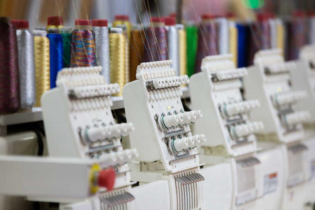 Consejos que debes saber al comprar maquinaria textil