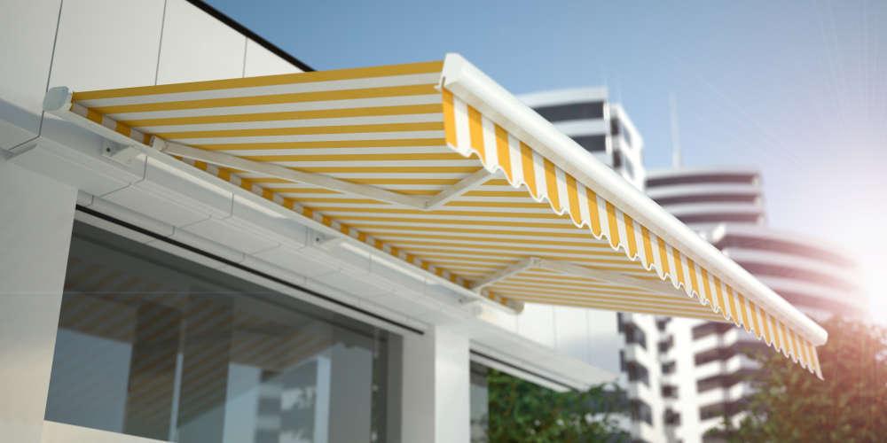 La protección de balcones o terrazas de los rayos solares