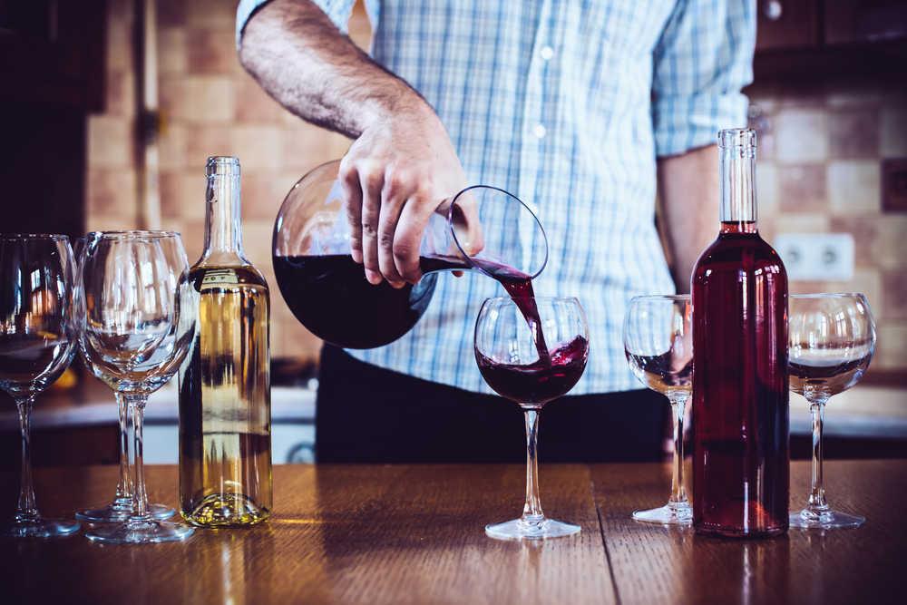 Todo lo que necesitas para elaborar vino casero